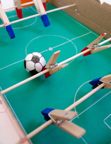 029--כדורגל-קופסה-מקרוב (צילום: נועה קליין)