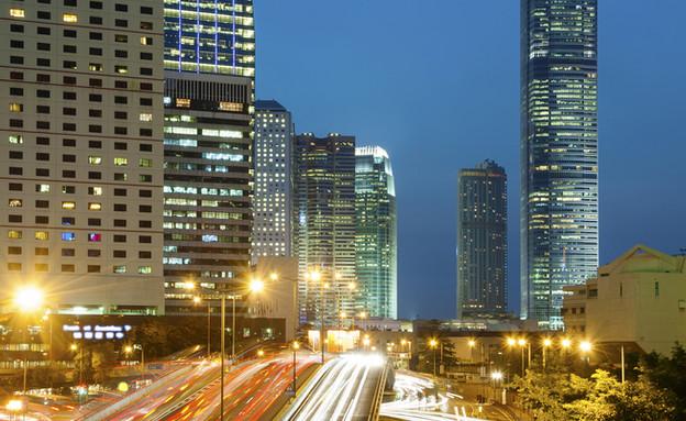 תל אביב לילה (צילום: Lee Yiu Tung, Shutterstock)