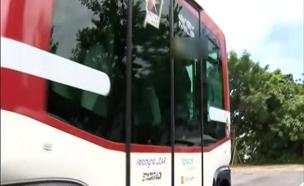ה EZ10 אוטובוס בלי נהג (צילום: רויטרס)