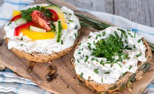 כריך עם גבינה (צילום: HandmadePictures, Shutterstock)