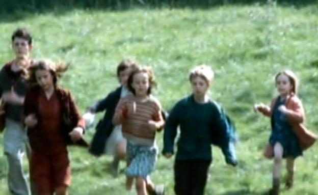 """פאני והילדים מתוך הסרט (צילום: מתוך הסרט """"המסע של פאני"""")"""