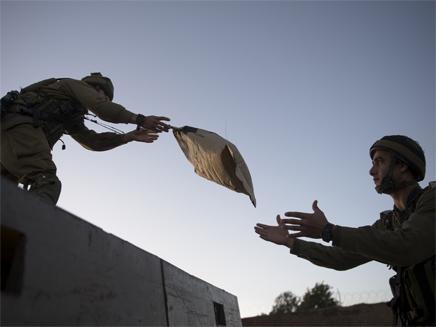 """""""ישראל היא הכל בשבילנו"""" (צילום: דובר צהל)"""