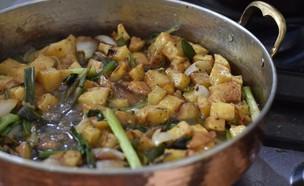 מחבת לברק ותפוחי אדמה מטוגנים - בלי דג (צילום: חן ואלון קורן, אוכל טוב)