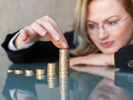 אשת עסקים סופרת כסף