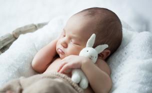 תינוק שרק נולד (צילום: Alena Sli, Shutterstock)
