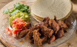 טאקו בקר מקסיקני (צילום: בני גם זו לטובה, אוכל טוב)