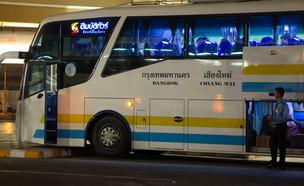 אוטובוס בתאילנד (צילום: nitinut380, Shutterstock)