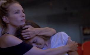 אנה זק בוכה באילת (צילום: מתוך להיות זמרת, ערוץ 24)