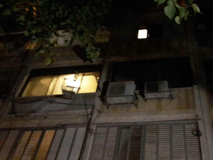 דירתה בקומה הרביעית (צילום: חדשות 2)