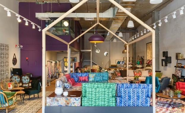 01 מבנה מרכזי שיוצר תחושה של חנות בתוך חנות (צילום: יחסי ציבור)