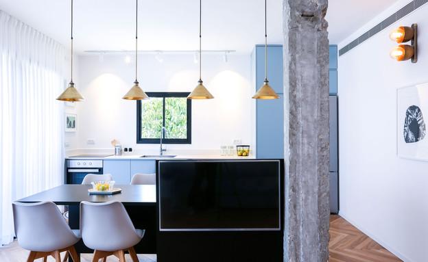 אדר ושי, 1 מבט מהסלון אל המטבח ופינת האוכל (צילום: יחסי ציבור)