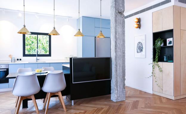 אדר ושי, 2 מבט על המטבח ופינת האוכל ומימין ארון השירות (צילום: יחסי ציבור)