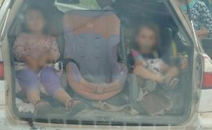 ילדים דחוסים ברכב בשומרון (צילום: דוברות המשטרה)