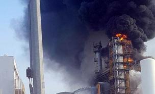 שריפה בבתי הזיקוק באשדוד (צילום: חדשות 2)