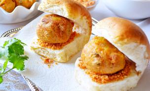 כריך כופתאות תפוחי אדמה הודי (צילום: Pallavi Mane, Shutterstock)
