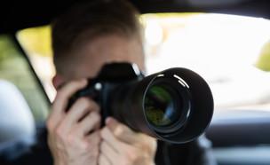 מרגל עם מצלמה (צילום: Andrey_Popov, Shutterstock)