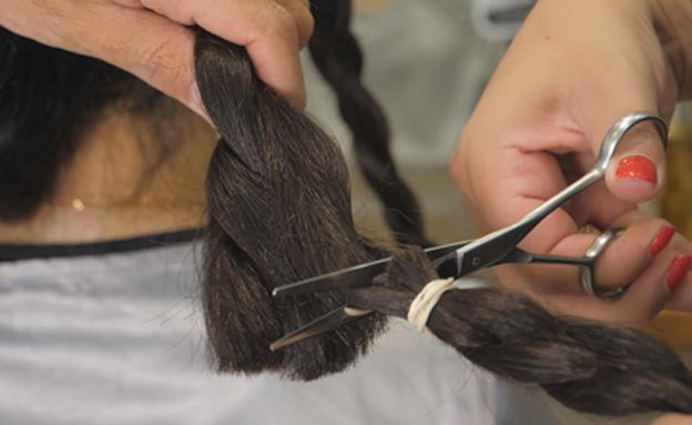 השיער נגזר - ומועבר לתרומה (צילום: חדשות 2)
