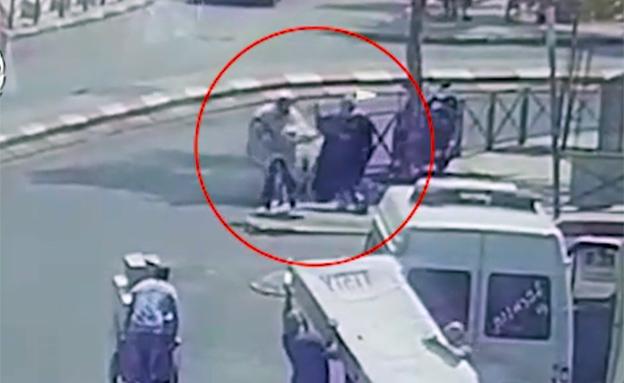 תיעוד ניסיון הפיגוע (צילום: דוברות המשטרה)