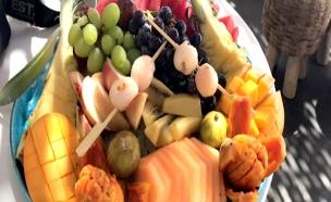 צלחת פירות במחיר מופקע, מסעדת קליפסו (צילום: חדשות 2)