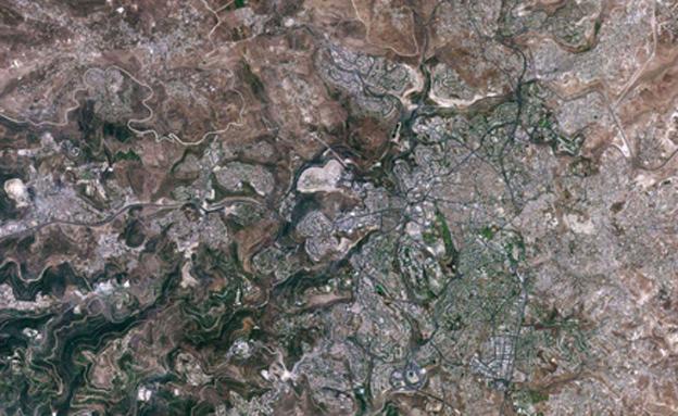 """ירושלים כפי שצולמה בעזרת הלווין הישראלי """"ונוס"""" (צילום: משרד המדע)"""