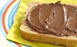 לחם עם שוקולד למריחה (צילום: Taratorki, Istock)