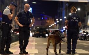 שוטרים מקומיים בזירת האירוע (צילום: רויטרס)