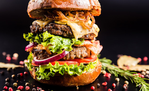 המבורגר מושחת (צילום: Goncharov_Artem, Shutterstock)