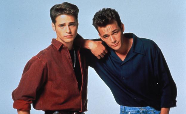 """לוק פרי וג'ייסון פריסטלי ב""""בוורלי הילס 90210"""" (צילום:  יחסי ציבור )"""