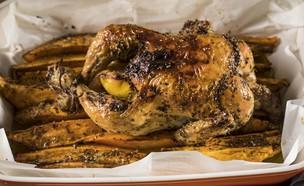 בניצה עוף בלימון ואורגנו עם בטטות (צילום: אפיק גבאי, מתכון לחיסכון)