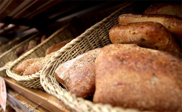 האם מחירי הלחם המלא יצנחו? (צילום: חדשות 2)