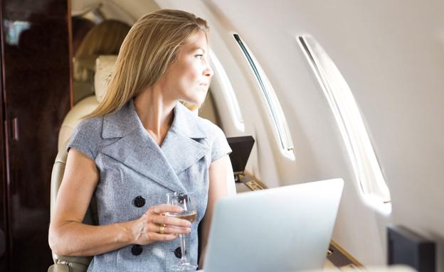 כך תשתדרגו למחלקת העסקים בטיסה (צילום: mitoimages, 123RF)