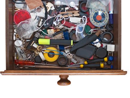 בלגן, מגירה מבולגנת (צילום: Laborant, Shutterstock)