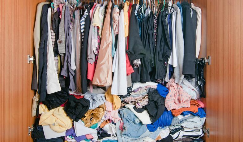 בלגן, ארון מבולגן (צילום: varandah, Shutterstock)