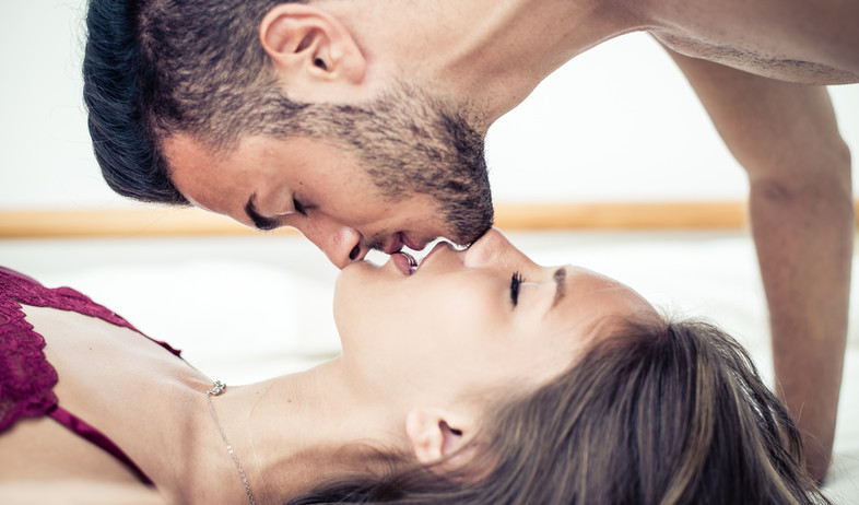 זוג לפני סקס (צילום: oneinchpunch, Shutterstock)