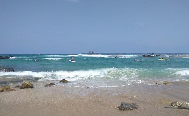 חוף גדור (צילום: נגה משל)