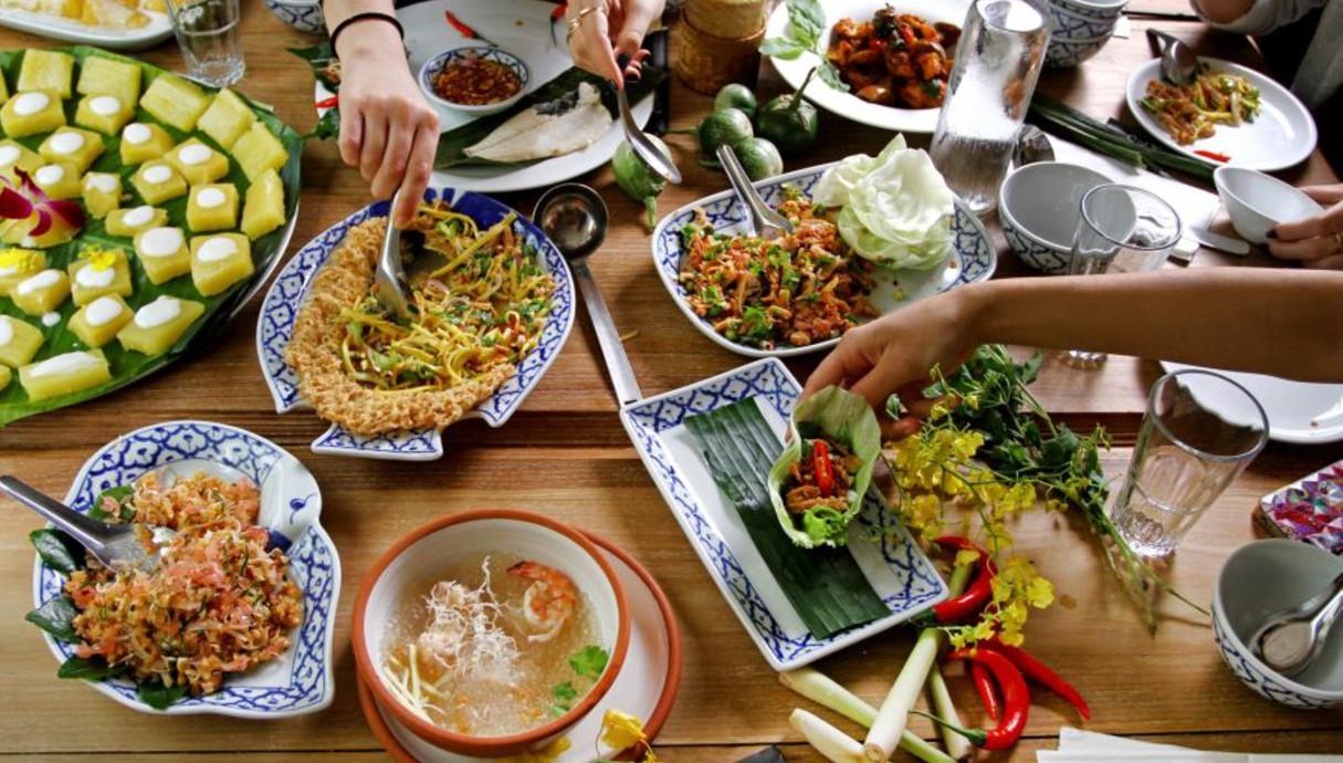 בית תאילנדי חגיגות 20