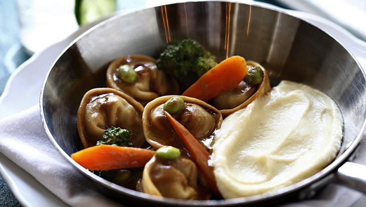 טורטליני לחי עגל, מסעדת טוטו