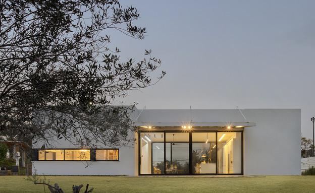 בית בין כרמים, חוץ (25) (צילום: אסף פינצ'וק)