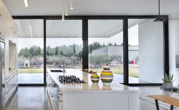 בית בין כרמים, מטבח (15) (צילום: אסף פינצ'וק)