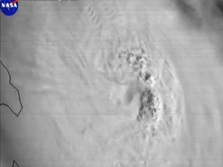 כך נראית הסופה מהחלל