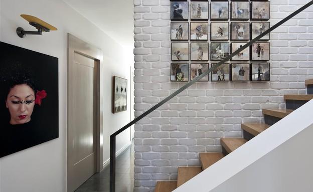 דנה אוברזון - הדירה הפרטית שלה היא סיפור של משפחה ואמנות - על הקיר (צילום: עודד סמדר)