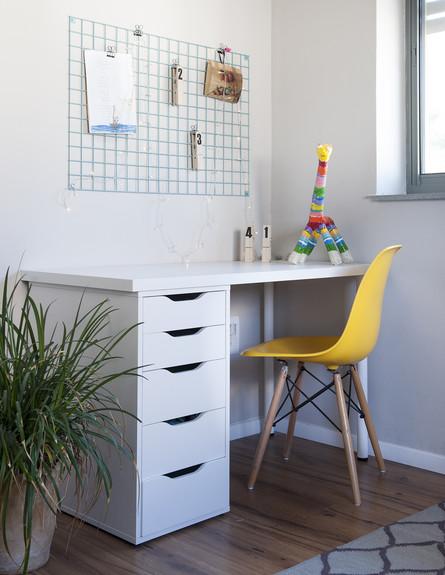 אחד לאחד, ג, שולחן כתיבה (24) (צילום: אורית אלפסי)