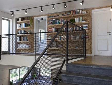 אחד לאחד, ספרייה (11) (צילום: אורית אלפסי)
