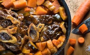 טאג'ין אוסובוקו עם משמשים ודלעת (צילום: נמרוד סונדרס, אוכל טוב)