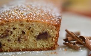 עוגת תמרים וליים (צילום: חן ואלון קורן, אוכל טוב)