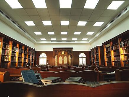 """בית הכנסת ע""""ש הבבא סאלי בנתיבות (צילום: רהיטי לביא)"""