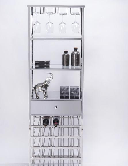 אחסון כלים 08_ בר יין במבנה צר וגבוה (צילום: איליה מלניקוב)