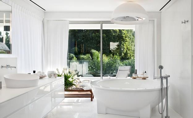 טל תמיר,  אמבטיה (29) (צילום: עודד סמדר)