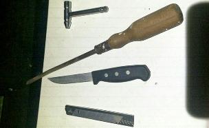 כלי התקיפה שנתפסו (צילום: דוברות המשטרה)