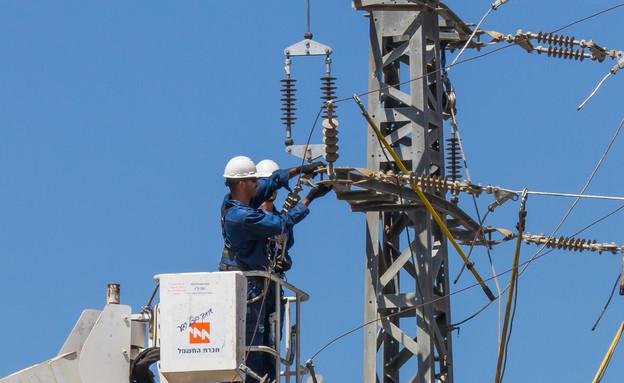 אילוסטרציה - עמוד חשמל (צילום: kateafter | Shutterstock.com )